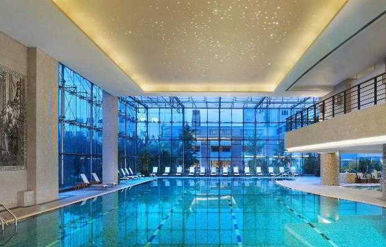 The St. Regis - Pool - 37