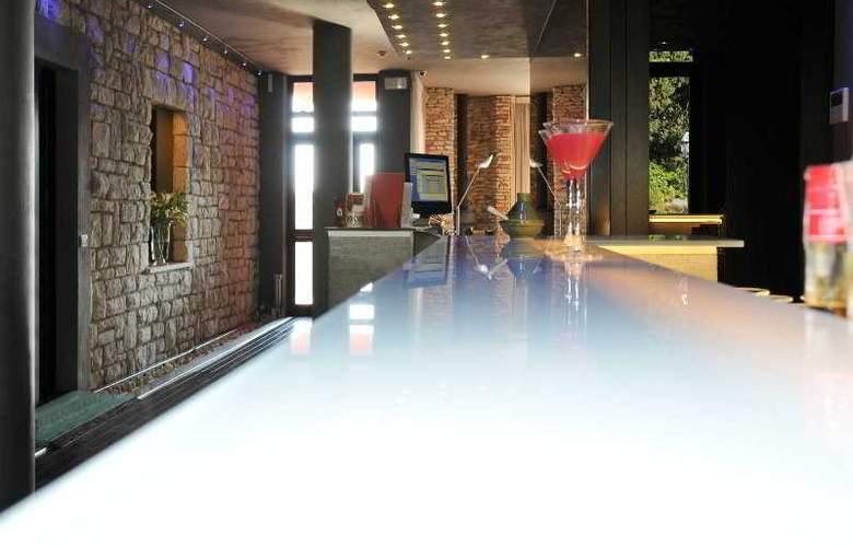 Domo Spa & Resort - Bar - 25