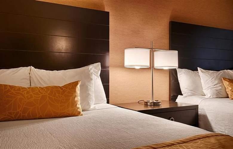 Best Western Plus Innsuites Phoenix Hotel & Suites - Room - 43