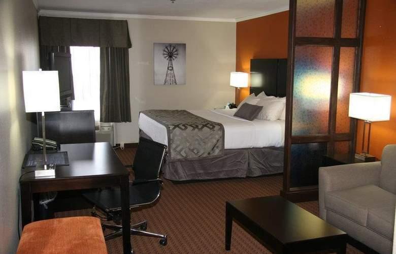 Best Western Plus Lubbock Windsor Inn - Room - 26