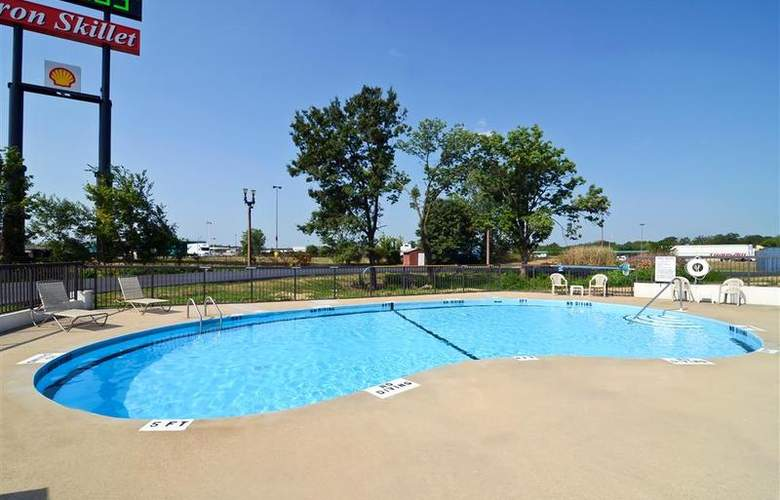Best Western Raintree Inn - Pool - 160