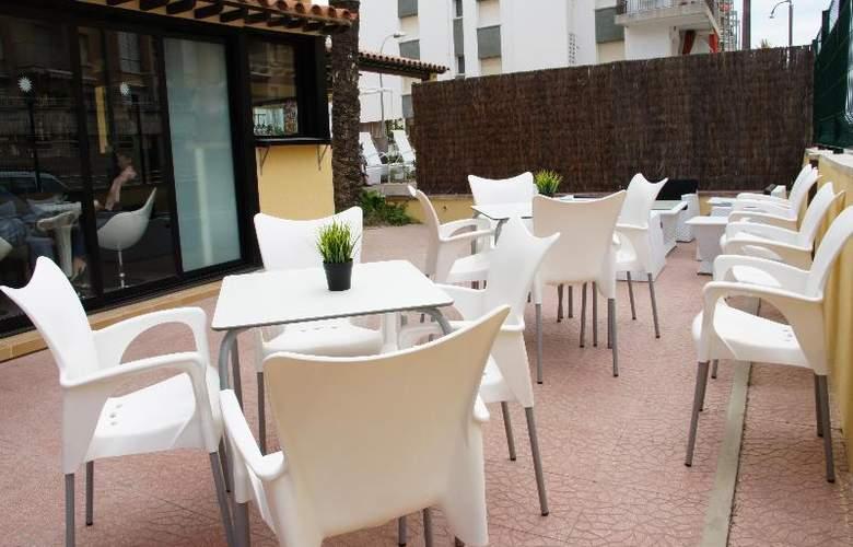 Adia Cunit Playa - Terrace - 17