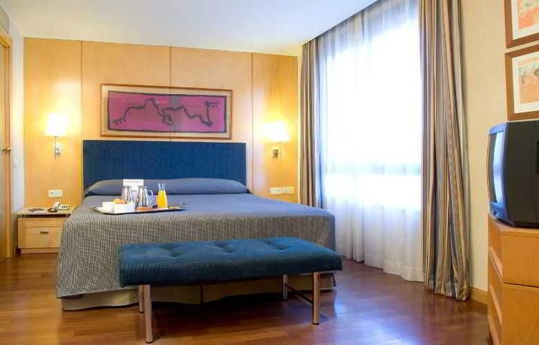 NH Lleida Pirineos - Room - 9