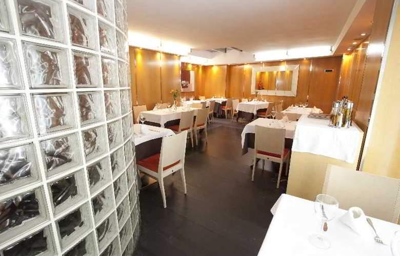 Plaza - Restaurant - 10