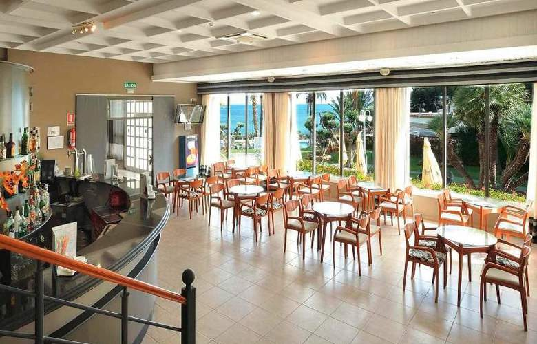 Gran Hotel Las Fuentes - Bar - 9