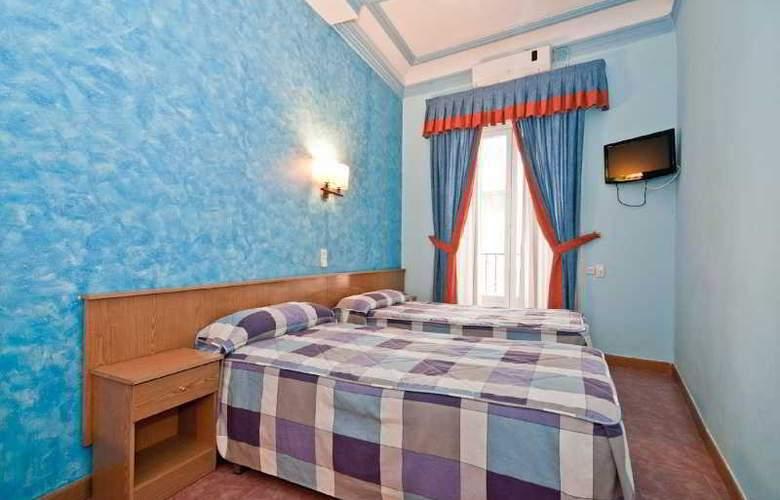 Oporto - Room - 17