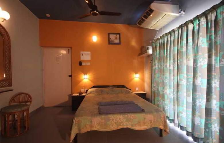 Sodder's Renton Manor - Room - 9