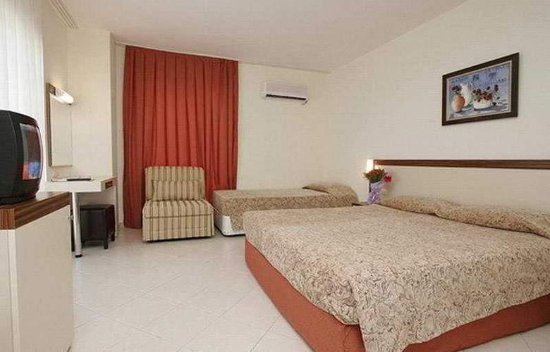 Lims Bona Dea Beach Hotel - Room - 5