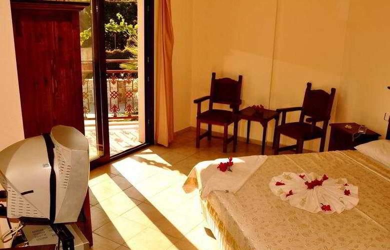Gumbet Beach Resort - Room - 1