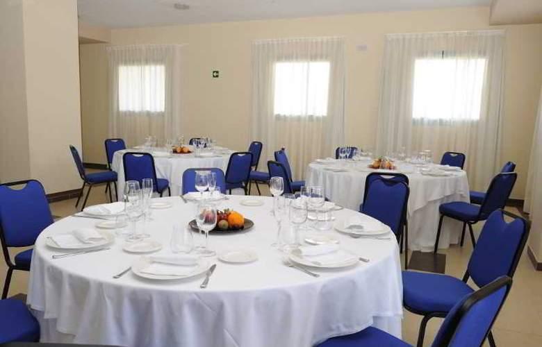 Sercotel Naval - Restaurant - 19