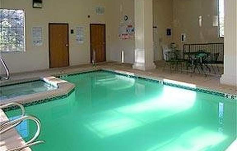 Comfort Inn Midtown (Ruidoso) - Pool - 6
