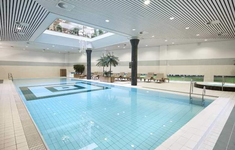 Okura - Pool - 7