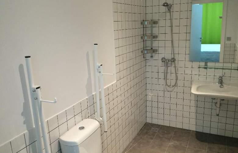 Chameleon Hostel Alicante - Room - 11