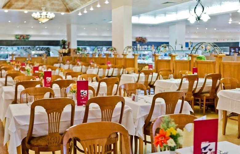 Majestic Beach Resort - Restaurant - 21