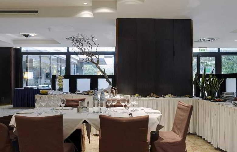 NH Villa Carpegna - Restaurant - 25