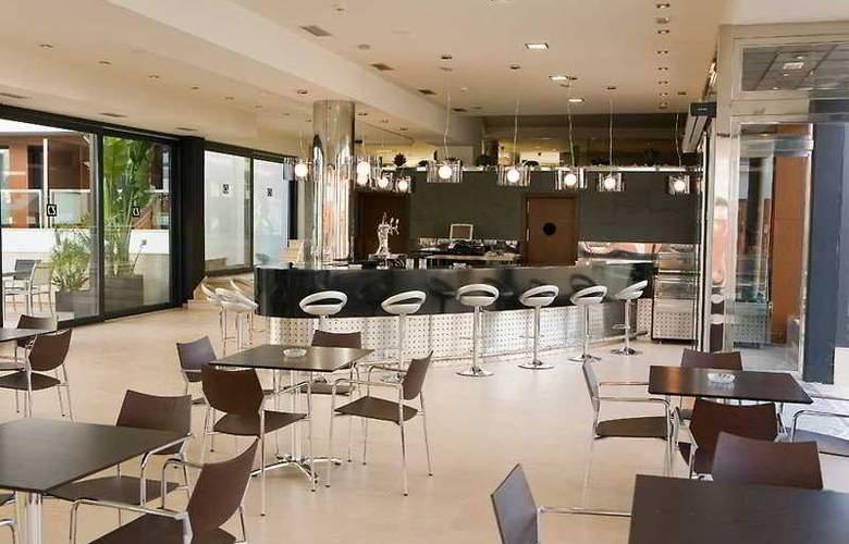 Conilsol Hotel y Aptos - Bar - 2