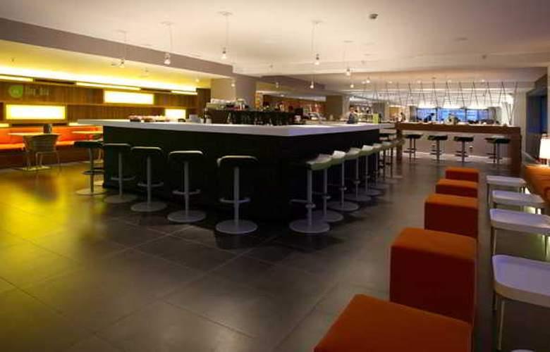 Expo Hotel  Barcelona - Bar - 20