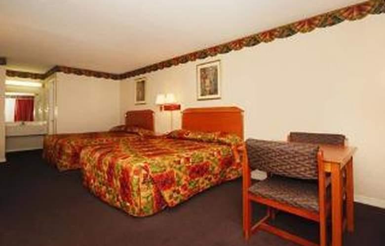 Econo Lodge - Room - 4