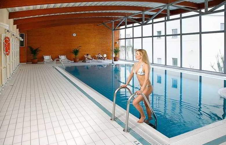 Novotel Praha Wenceslas Square - Pool - 2