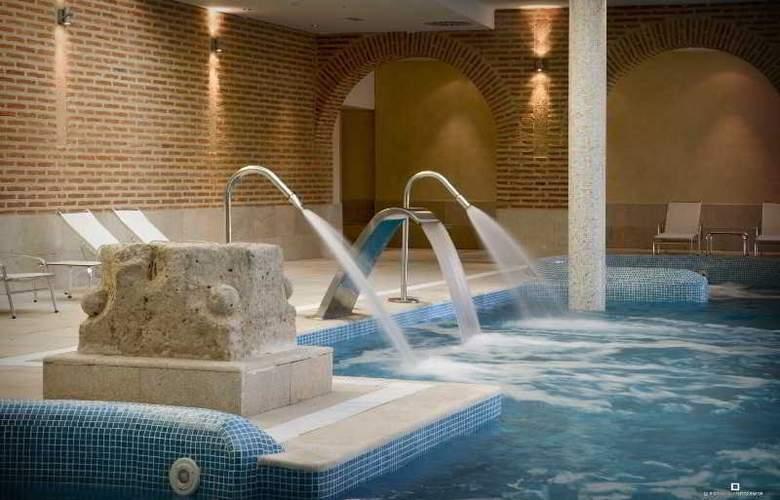 Castilla Termal Balneario de Olmedo - Pool - 5