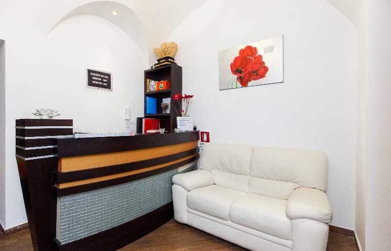 Romangelo II Hostel - Hotel - 0