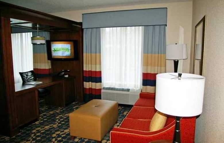 Hampton Inn & Suites Huntersville - Hotel - 3