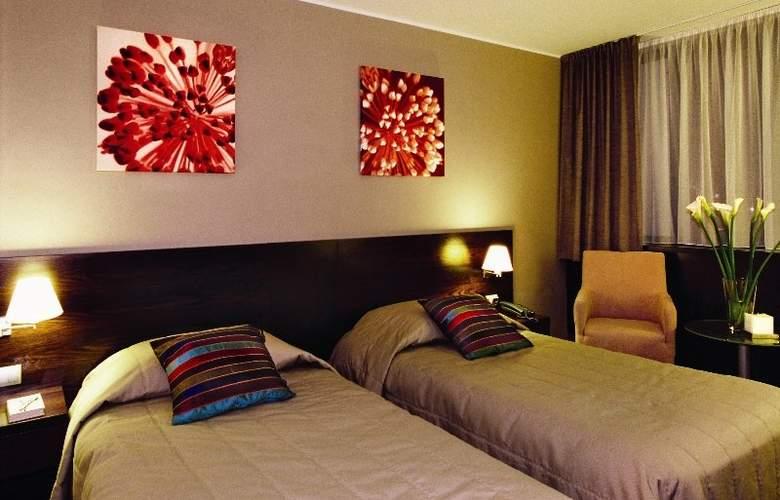 Holiday Inn Bratislava - Room - 2