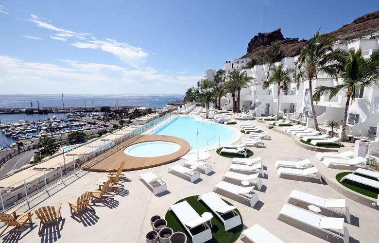 Marina Bayview - Hotel - 0