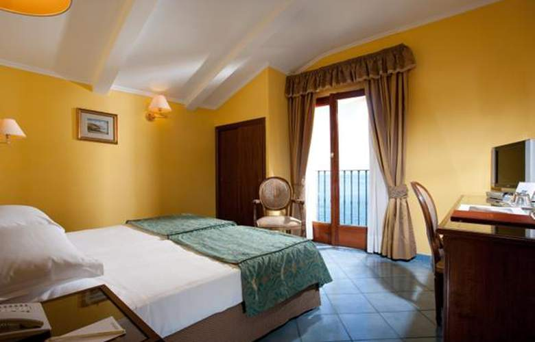 Imperial Tramontano - Hotel - 3