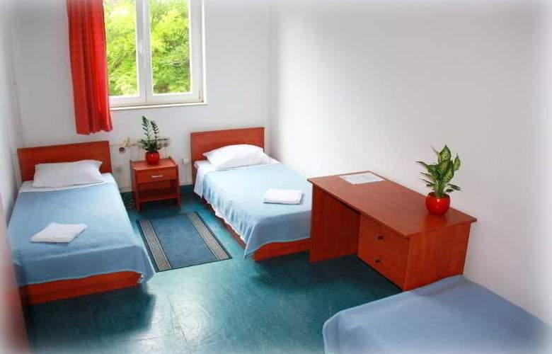 Omladinski Hostel - Room - 8