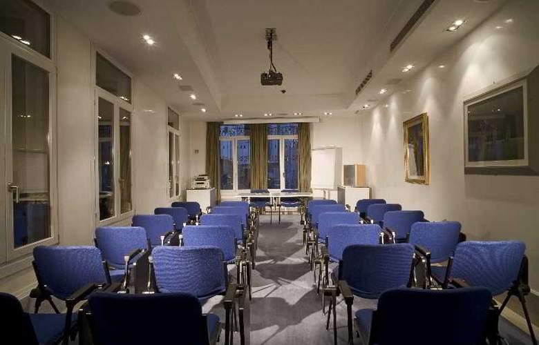 Bonvecchiati - Conference - 22