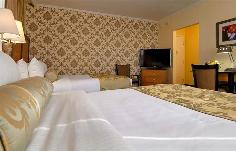 Best Western Plus St. Charles Inn - Room - 58