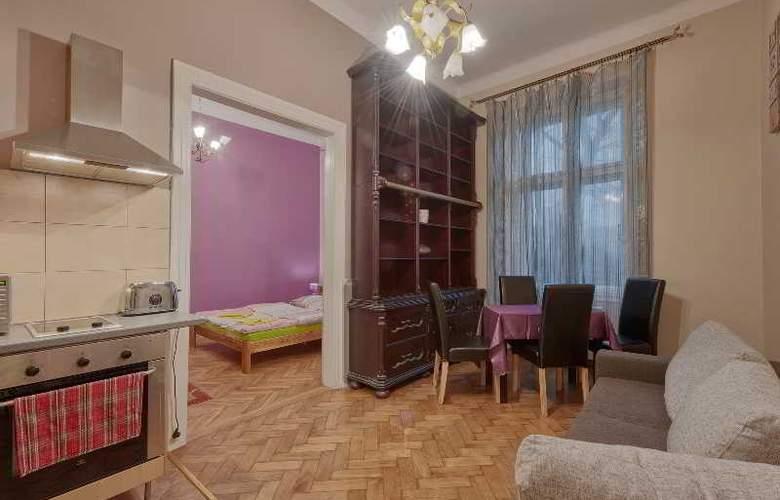 Queens Apartments - Room - 5