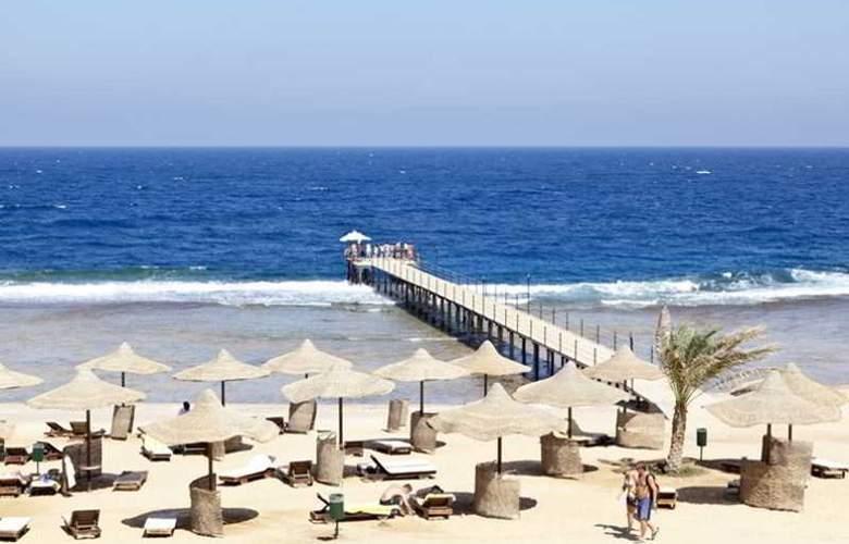 Three Corners Sea Beach Resort - Beach - 31