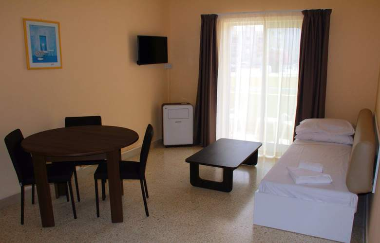Mavina Hotel & Apartments - Room - 3