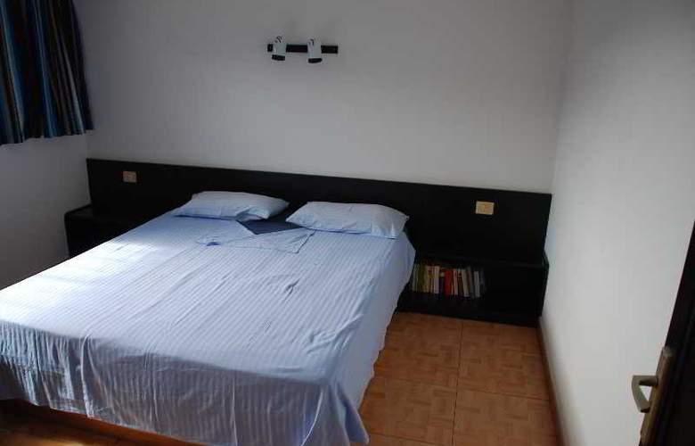 Apartamentos Alberto - Room - 2