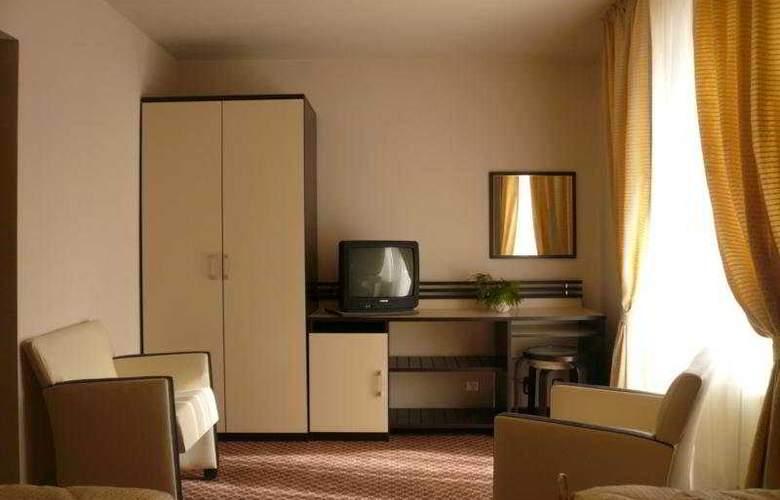 International - Room - 2