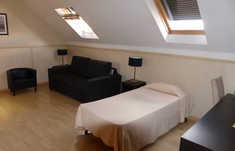 Suites Feria de Madrid - Room - 5
