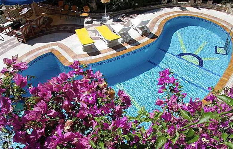 Villa Symbola - Pool - 4