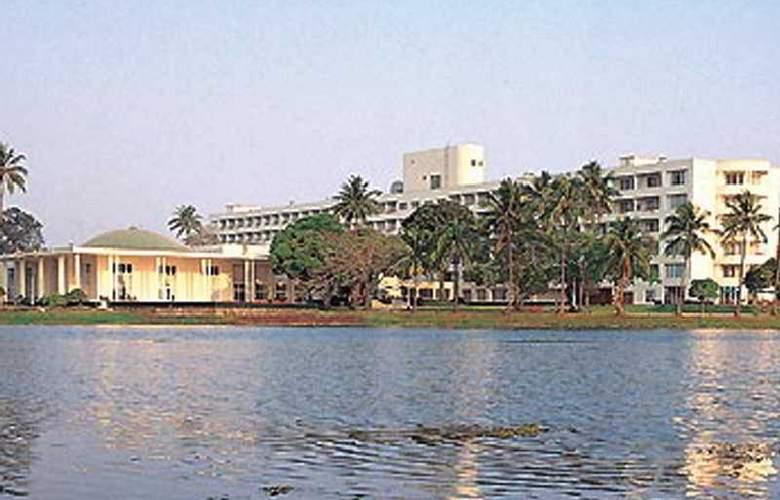 Inya Lake - General - 1
