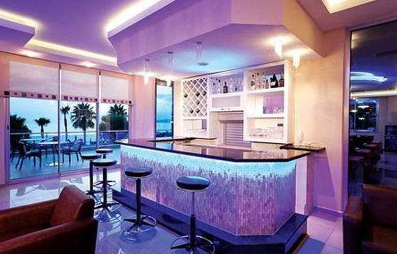 Venessa Beach - Bar - 6