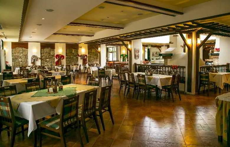 Spa Hotel Devin - Restaurant - 19