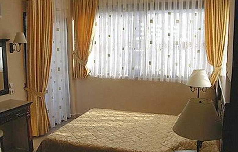Bonjour Boutique Hotel - Room - 3