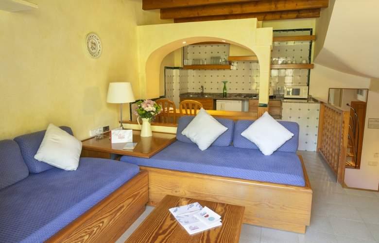 Es Baulo Petit Hotel - Room - 1
