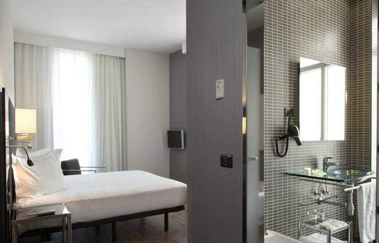 AC Palacio Universal - Room - 11
