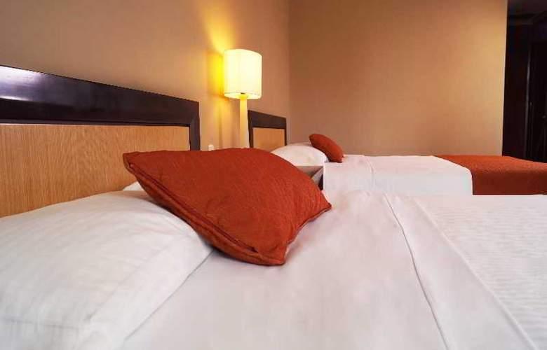 San Fernando Plaza - Room - 25