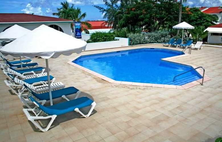 Simpson Bay Beach Resort and Marina - Pool - 28