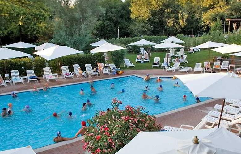 Flaminio Village Residence (Bungalow Park) - Hotel - 0