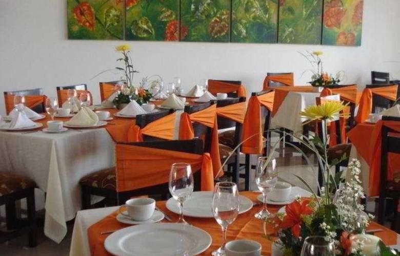 Varuna Hotel - Restaurant - 4