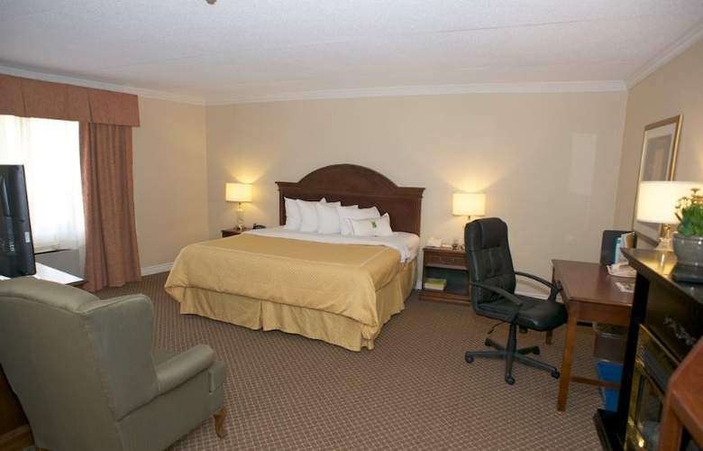 Quality Inn Airport West Mississauga - Room - 0